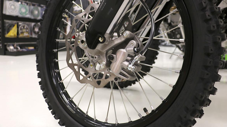 Aluminio Rodillo Soporte de Limpieza de Cadena Neum/ático Rueda para Motocicleta